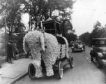 Parade float, 1926